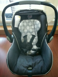 Britax baby car seat (with base unit)