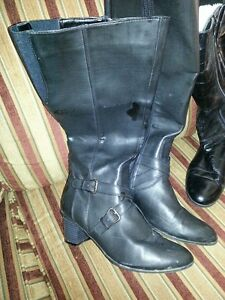 Black leather dress boots