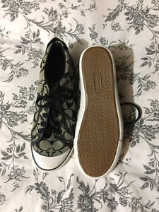 COACH SHOES size 9- Brand new