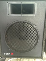 2 SPEAKERS  15 INCH - HORN -  PA  MUSIC - DJ - MUSIC  250 WATTS
