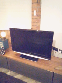 """Panasonic Viera 32"""" HD Freeview TV - Can Deliver"""