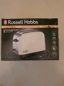 Brand new russell hobbs colours plus cream toaster