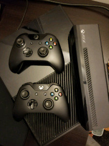 500gb xbox one with 2 controllers and Kinect + 2 Kinect gamea