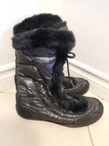 The North Face Women's Nuptse Goose Down boot size 9