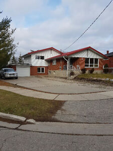 Beautiful house fully renovated. Available immediatly