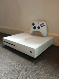 Xbox One S, 500GB, with Next Gen Controller