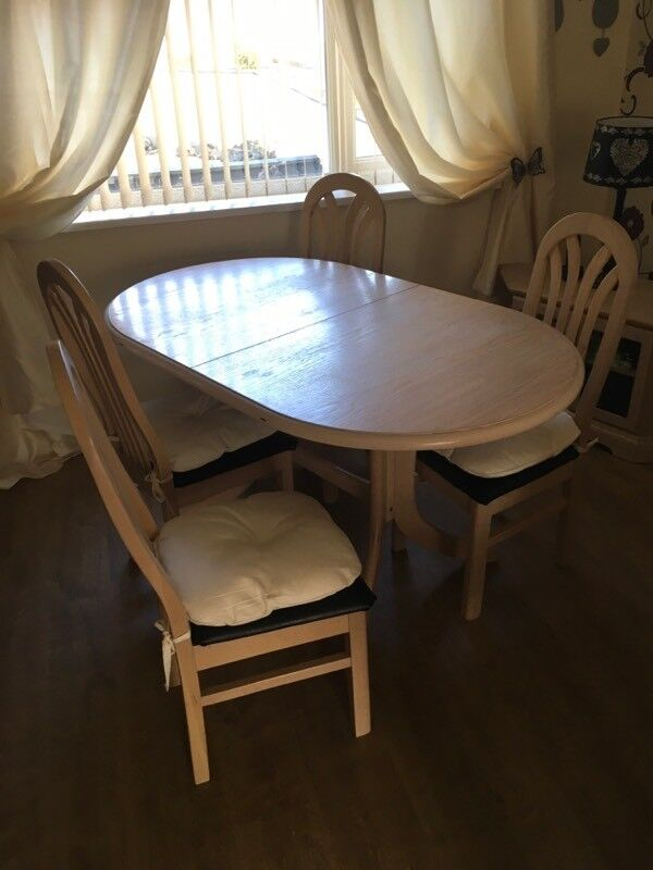 House Clearance Extendable Dining Room Table And 4 Chairs Limed