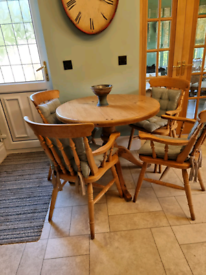 Solid pine kitchen/dining table and chairs