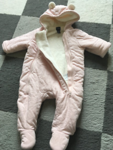 Gap Baby Girl footed outerwear 3-6m(New)
