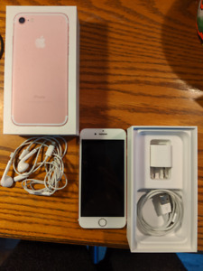 iPHONE 7 - ROSE GOLD - 32GB - COMPLETE IN MINT CONDITION