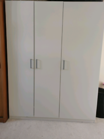 3 door closure