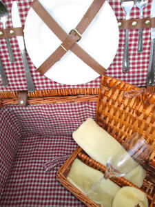 YOGI BEAR APPROVED, Large Insulated Wicker PICNIC BASKET...with