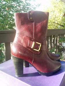 New Clarks leather boots , women's size 9.5
