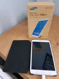 Samsung Galaxy tab 4 7 inch white with case,box and charger