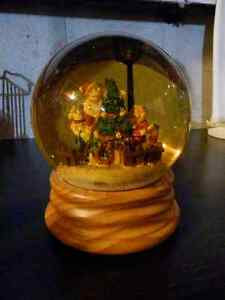 Christmas Scene in a Snow Globe Cambridge Kitchener Area image 2