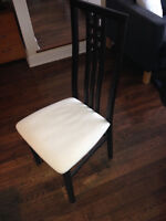 Set of 6 Structube dining room chairs in good condition.