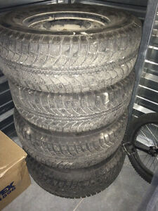 4 Champiro 265/70/R17 tires on rims