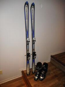 Skis alpins paraboliques  et bâtons