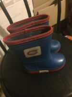 Size 8 kids MONTREAL CANADIANS Rain boots