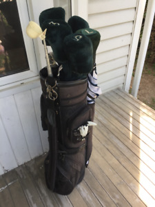 Ladies Royal Goliath RH Golf Clubs and Bag
