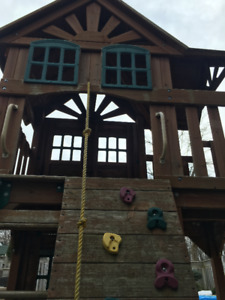 Play Structure, Cedar Summit Mountainview Resort