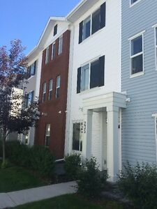 New Beautiful Townhouse in Silverado SW-All Furniture Included