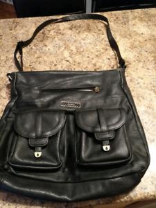 Beau sac noir VOLCOM 10$