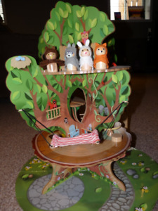 Wooden Tree House With Animals