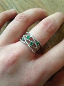 14 karat white gold Emerald and white sapphire ring
