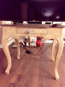 *NEW* SOLID WOOD TABLE