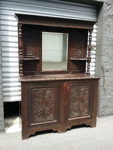 ANTIQUE HEAVILY CARVED OAK MIRRORED SIDEBOARD