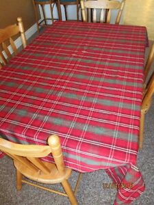 "Christmas Plaid Table Cloth 8' 4"" x 5"""