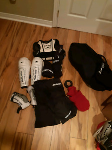 Kids Bauer Hockey protective Kit, sz 6