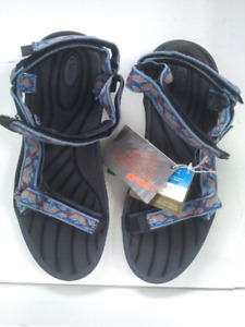 58a7fbe9c125 Brand New in Box Women s Teva Summer Sandals in Size 11