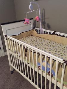 Baby crib+mattress+bedding set+mobile