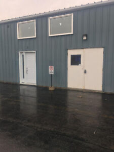 Industrial Unit for rent CALL 905 242-5912