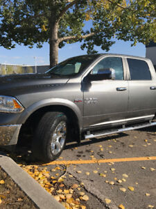 2013 Dodge LARAMIE 1500 - Low Low Kilometres