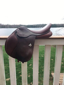 "17.5"" Bates Caprilli Saddle"