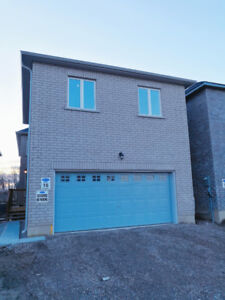 BRAND NEW NEVER LIVED IN COACH HOME FOR LEASE IN CORNELL MARKHAM