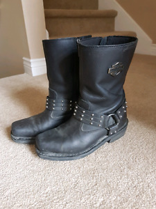 Women's Harley-Davidson Boots (NEED GONE)