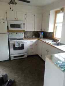 New Minas Room Available June 15