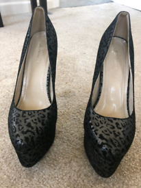 Shimmery black and silver high heels .. Size 7