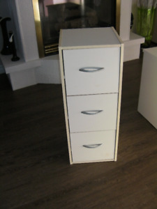 Cabinet with 3 Drawers