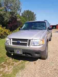 2004 Ford Explorer Sport Trac  Regina Regina Area image 1