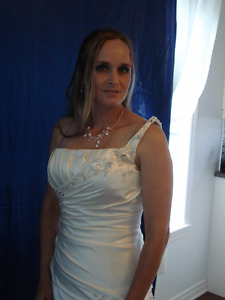 Robe de mariee neuve - New wedding dress