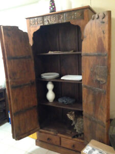 Great cupboard solid oak new great condition made for antique