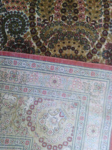 Very Fine Hereke Hand-Knotted Silk Rug - 800-850 kpsi North Shore Greater Vancouver Area image 3