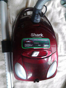 SHARK PROFESSORIAL CANISTER VAC WITH HEPA FILTER