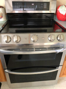 NEW LG DOUBLE OVEN STOVE FOR SALE!!