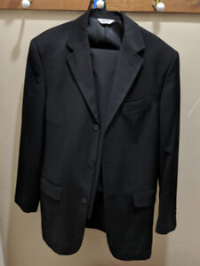 Black suits in mint condition